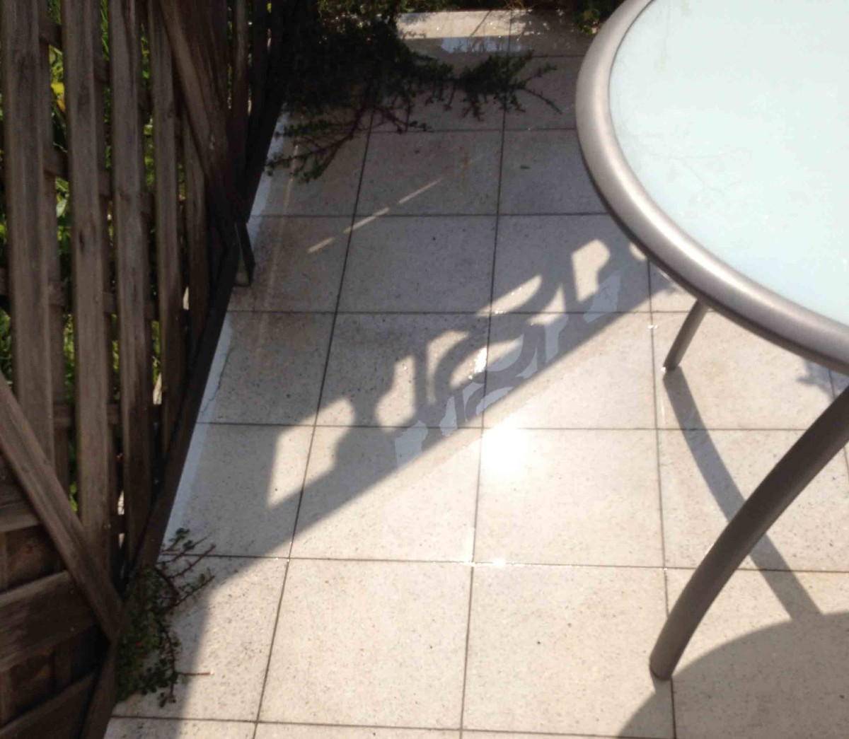 Terrasse mit dem Kärcher reinigen